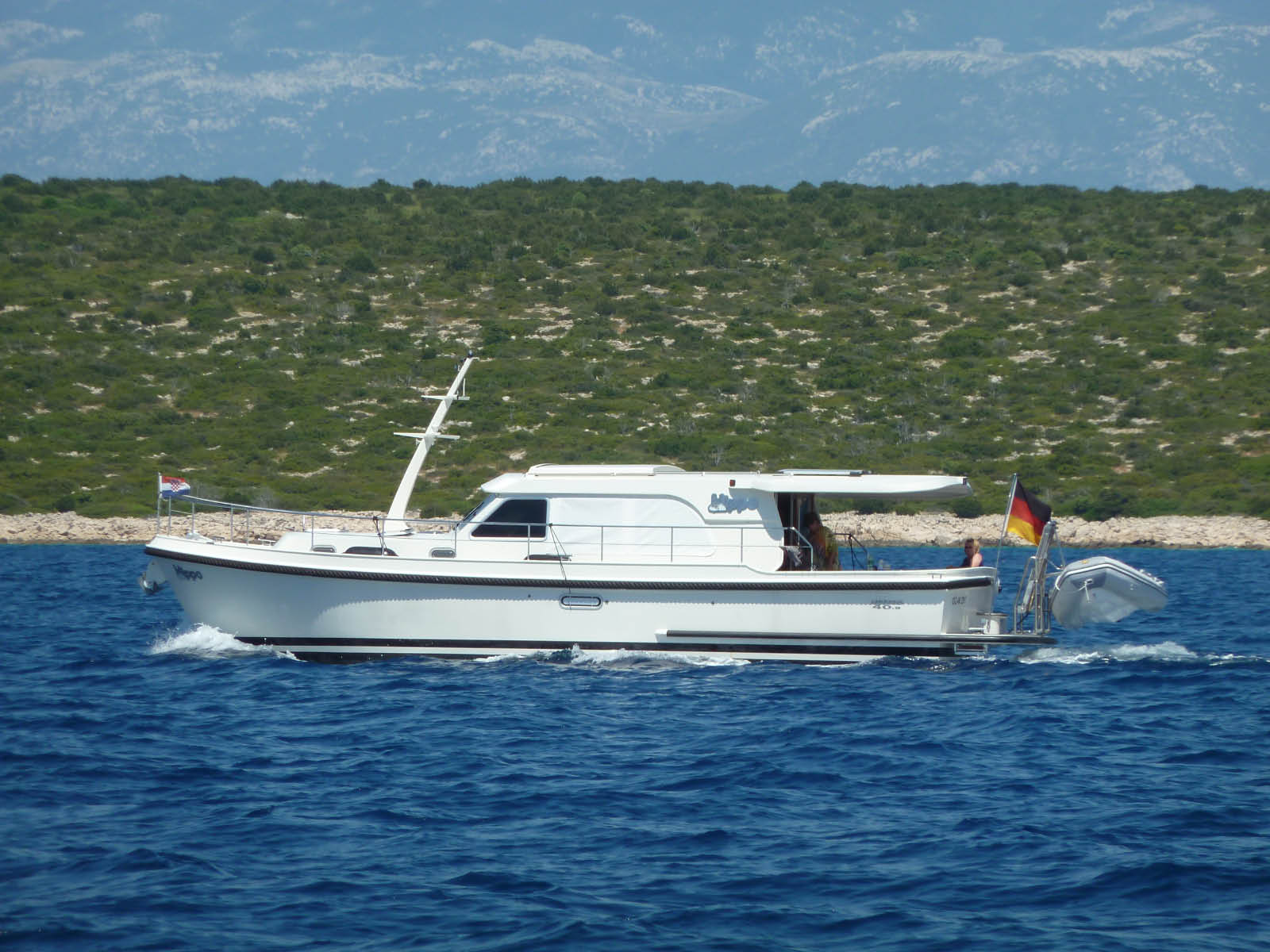 Cruising on a Linssen motoryacht in Croatia