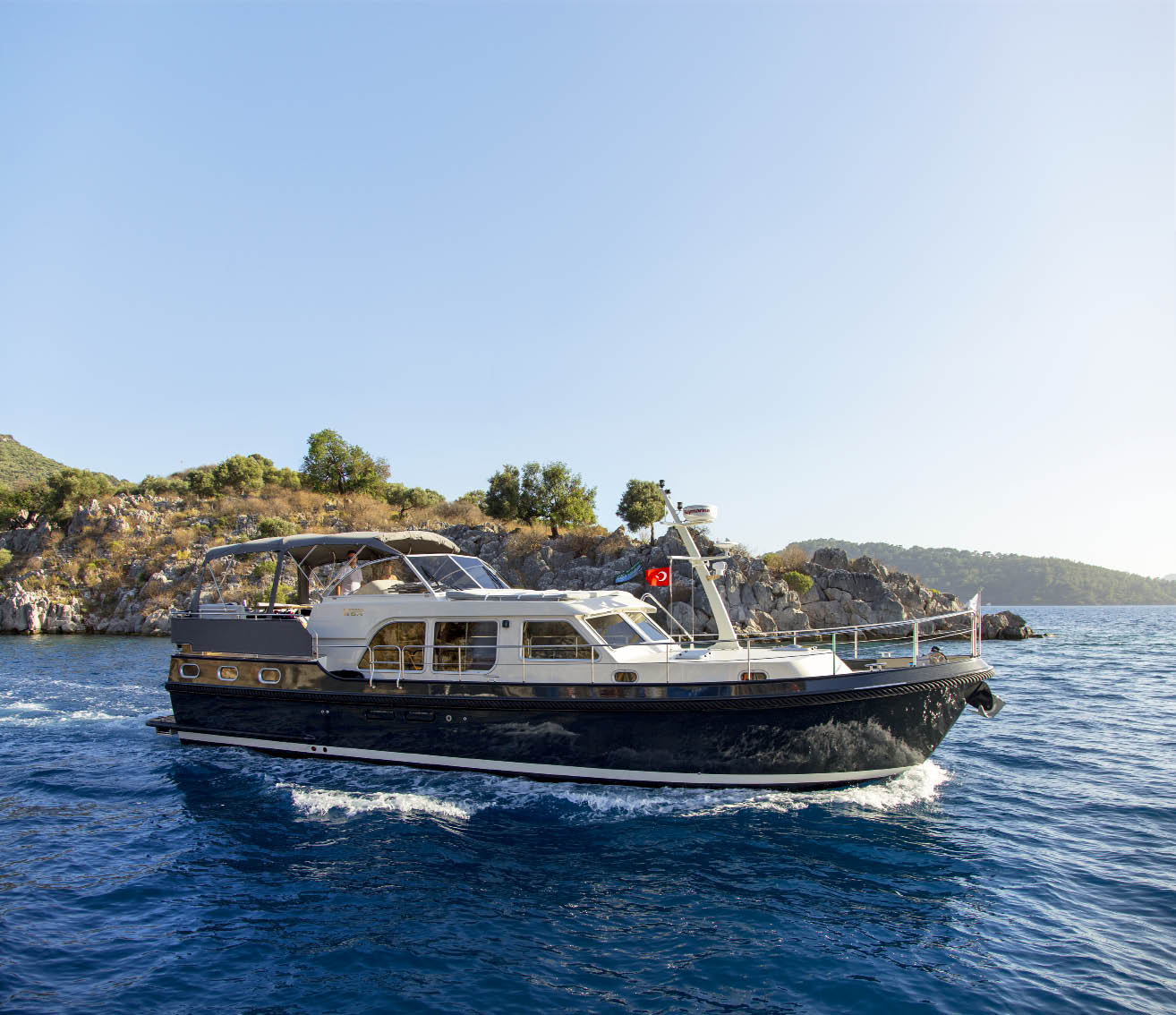 Cruising on a Linssen yacht in Turkey