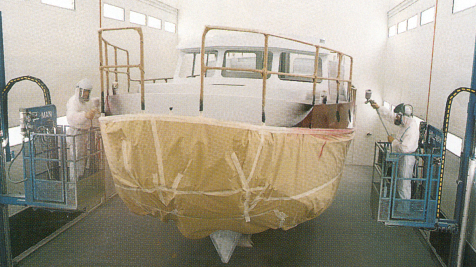 First spraying booth @ Linssen Yachts in 1996