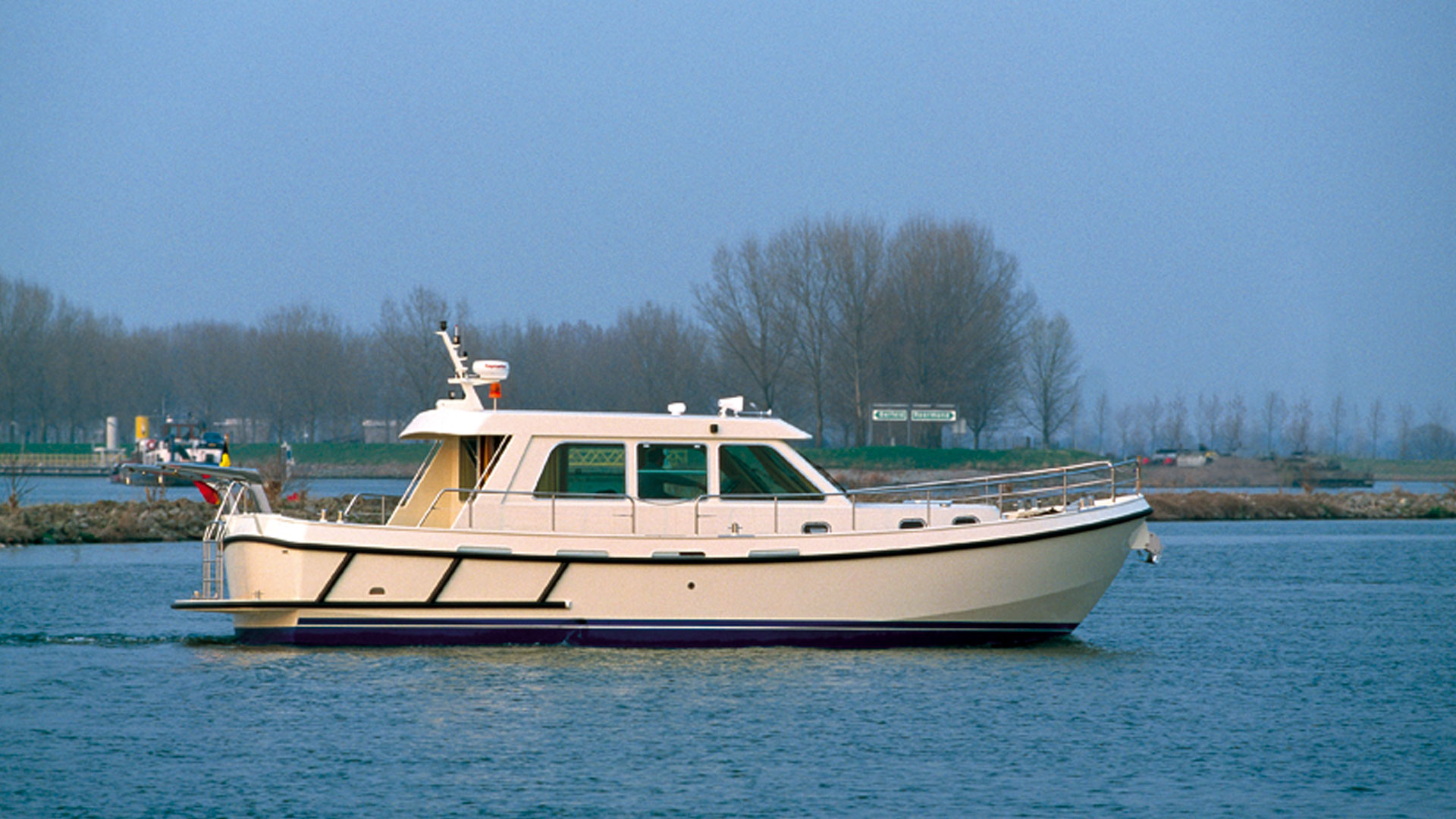 Linssen Grand Sturdy 430 Sedan Patrol