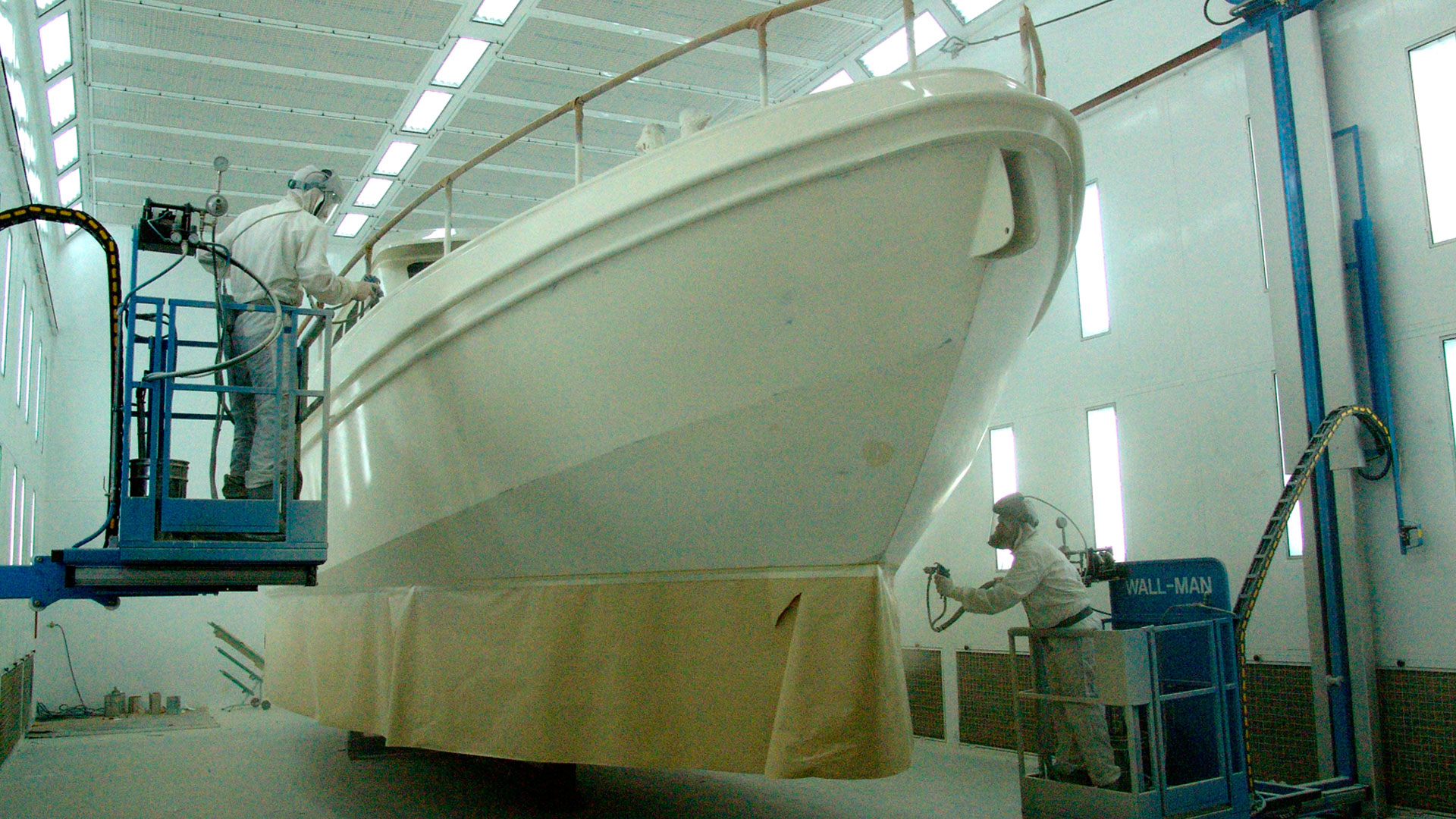 Spraying cabin @ Linssen Yachts