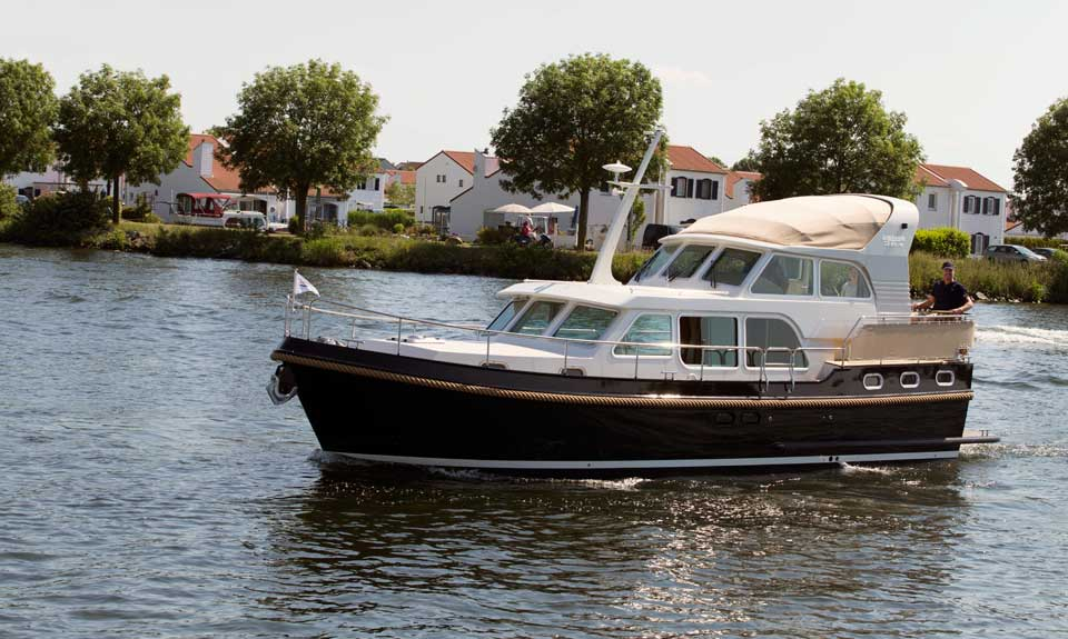 Linssen Yachts Grand Sturdy 36.9 AC Variotop