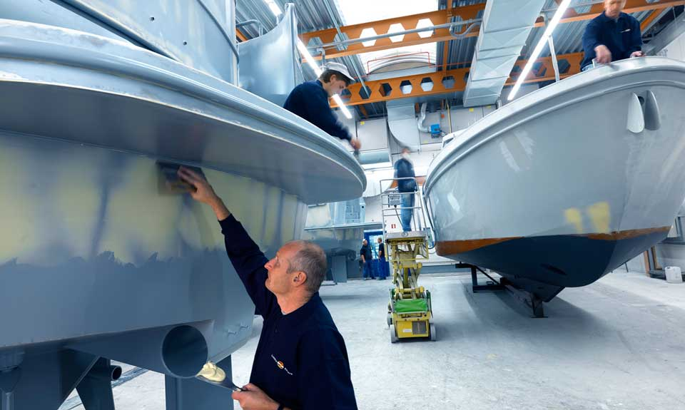 linssen-yachts-production-coating